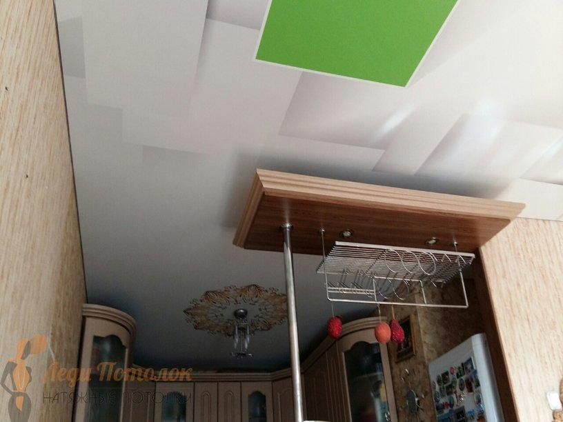 Натяжные потолки в частном доме фото